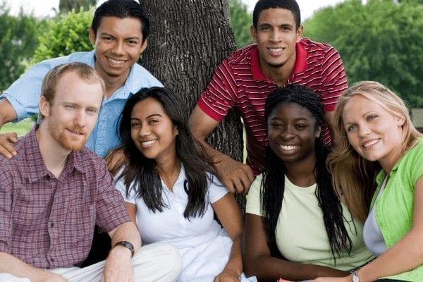 Le lancement du programme de bourses d'études